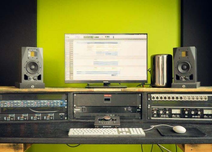 Studio C 800px-09